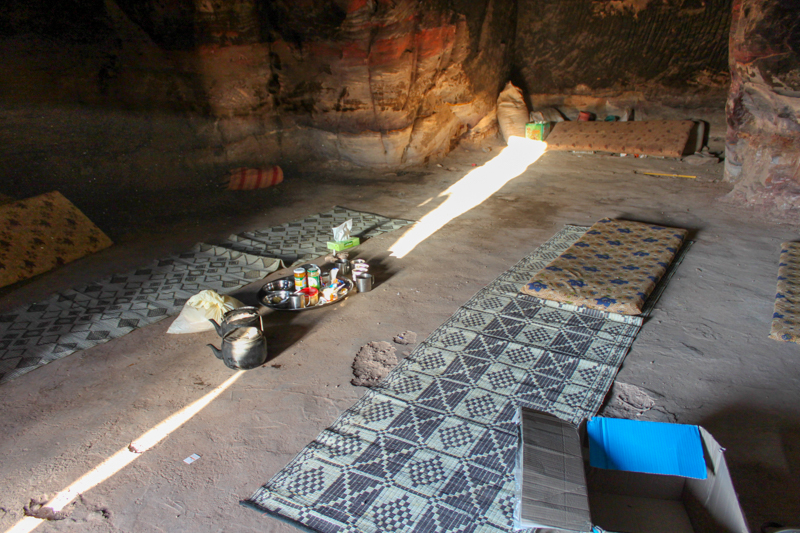 Dormir dans une grotte à Petra