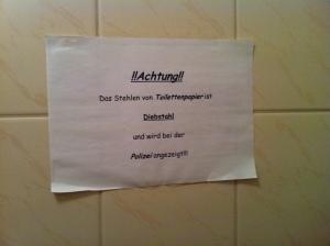 #onlyingermany : La police du papier de toilette