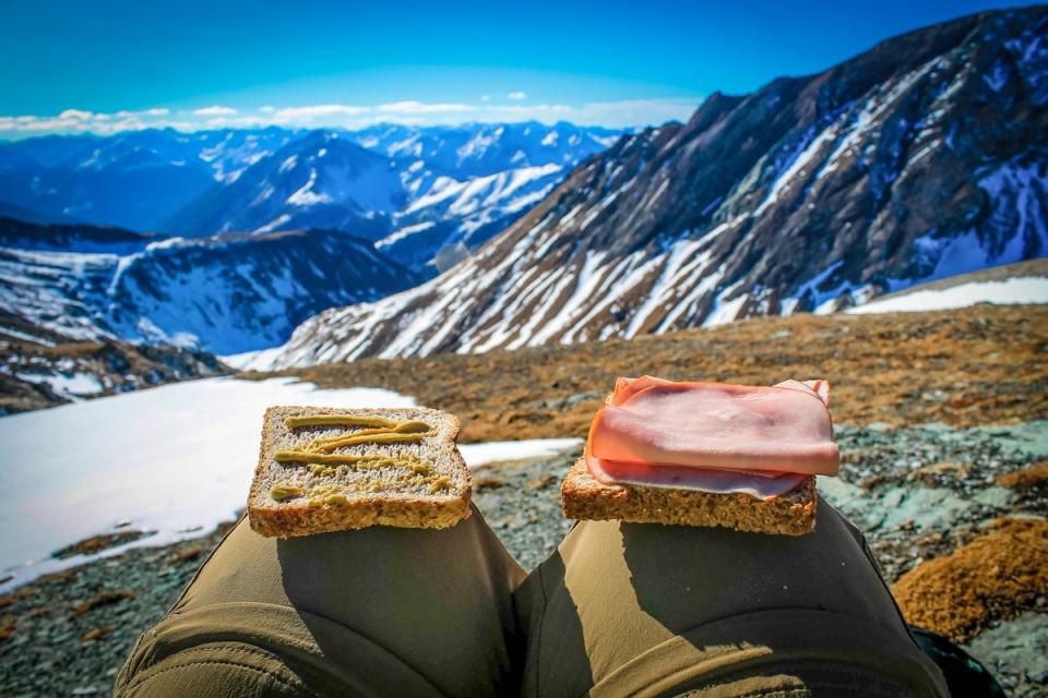 Manger un sandwich en altitude