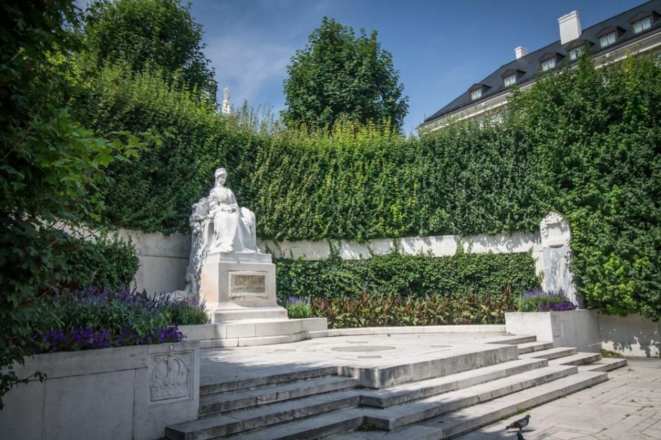 Statue de Sissi Volksgarten
