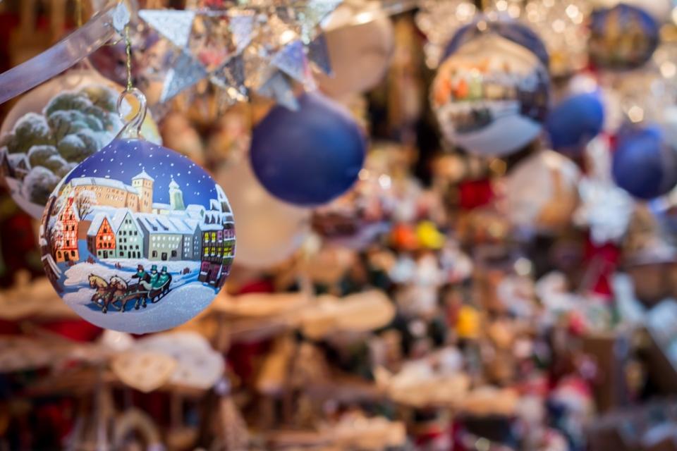 Boules de Noël de Nuremberg peintes à la main