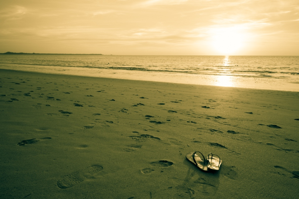 Coucher de soleil sur la plage Khao Lak